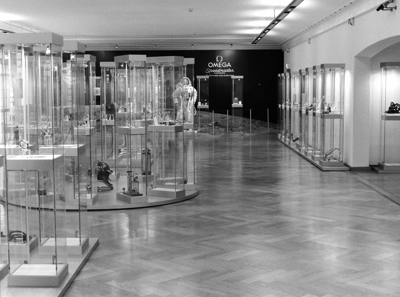 Main-hall-Omega-Museum-Visit-Monochrome-Watches