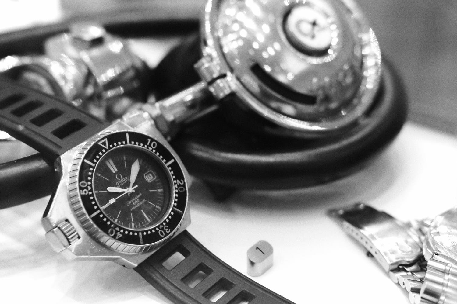 ploprof-comex-Omega-Museum-Visit-Monochrome-Watches