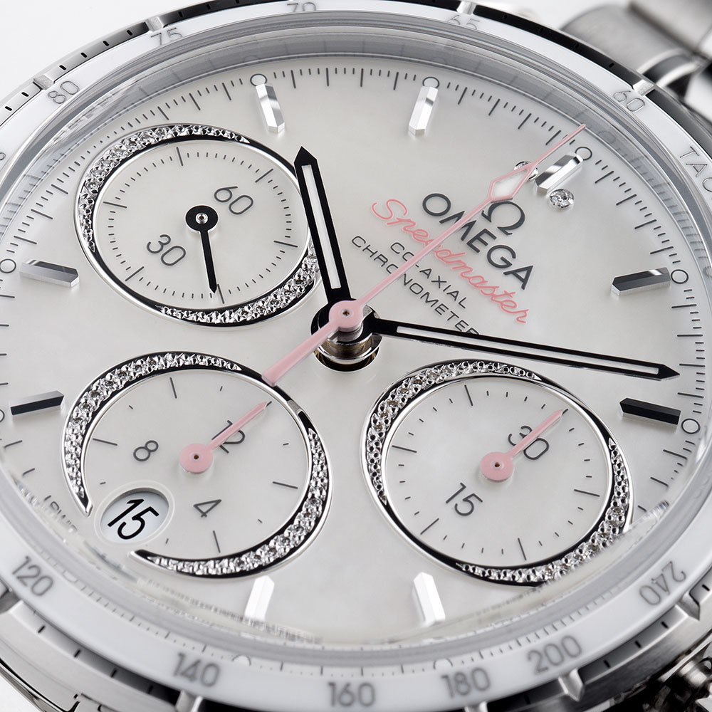 The female replica watches have white dials.