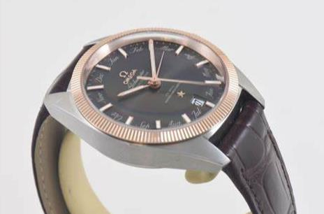 The 41 mm copy watches have brown leather straps.