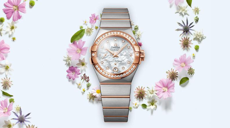 The 27 mm copy watches are designed for females.