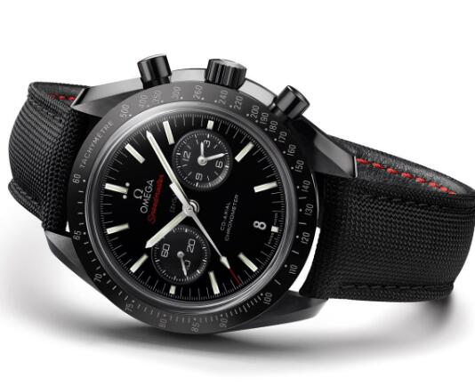 The timepiece is equipped with self-winding mechanial movement which is rarely seen in moon watches.