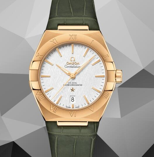The automatic movement can also be viewed through the transparent back.